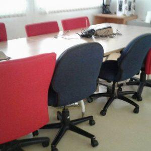 โต๊ะสำนักงานมือสอง